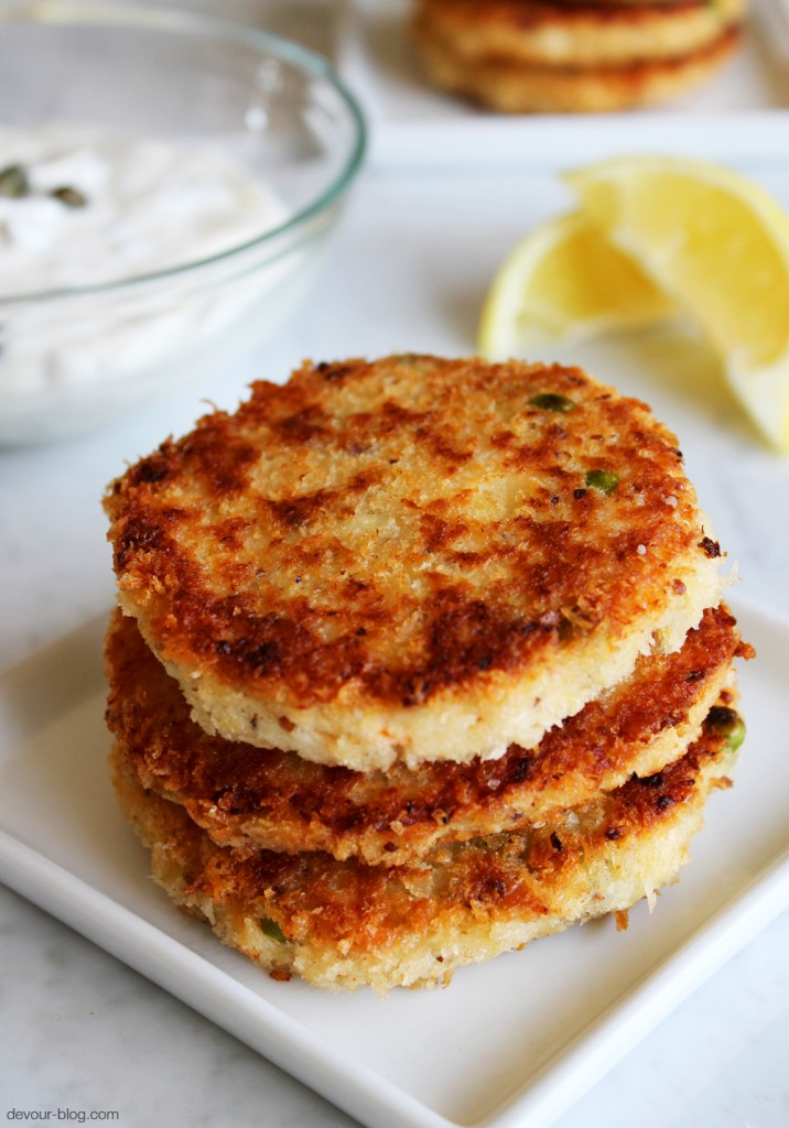 Crab Cakes. devour-blog.com